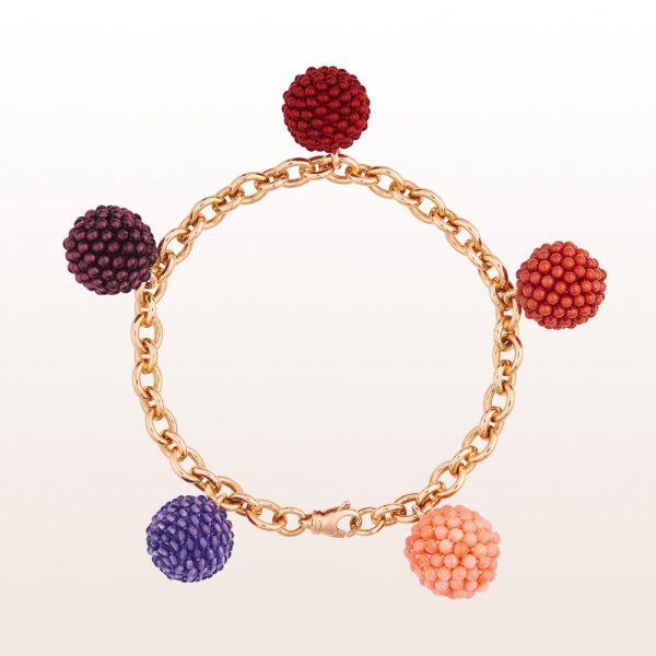 Armband mit Coccinellakugeln aus Karneol, Almandingranat, Amethyst, rosa und roter Koralle in 18kt Roségold