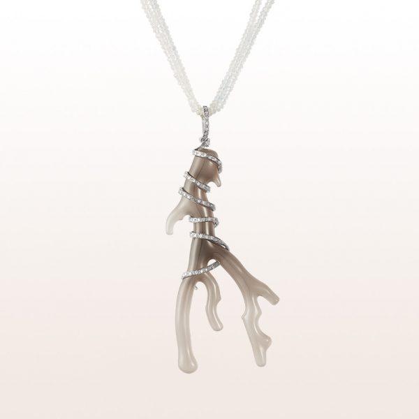 Anhänger mit grauem Achat und Brillanten 0,94ct auf einem Collier mit Labradorit und einer 18kt Weißgold Diamantschließe