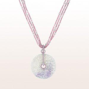 Anhänger mit Lavendeljade, rosa Saphiren und Brillanten auf einem Collier mit rosa Saphiren und Diamantrondell mit 18kt Weißgold Diamantschließe