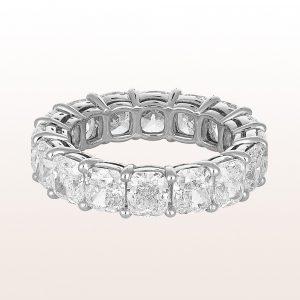 Ring mit Cushion cut Diamanten 8,41ct in Platin