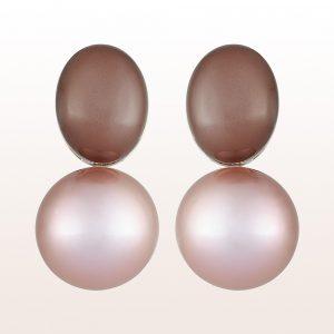 Ohrgehänge mit braunen Mondsteinen und rosa Süßwasserperlen in 18kt Weißgold