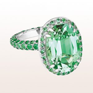 Ring mit grünem Turmalin 7,66ct in Smaragde 1,82ct in 18kt Weißgold