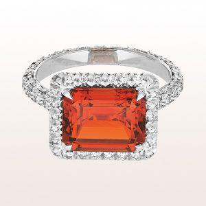 Ring mit Mali-Granat 6,46ct und Diamanten 1,45ct in 18kt Weißgold