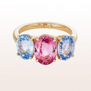 Ring mit rosa Saphir 2,58ct und zwei blauen Saphiren 3,74ct in 18kt Gelbgold