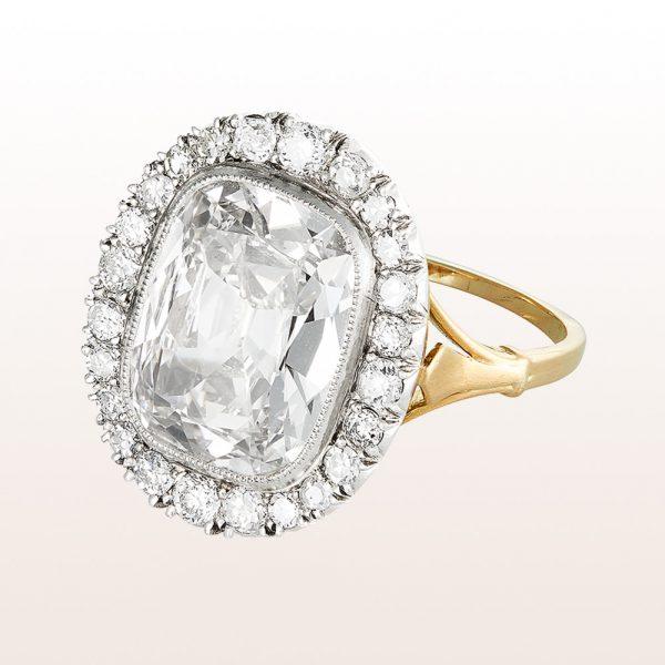 Ring mit Cushion cut Diamant 4,01ct und Brillanten 0,86ct in 18kt Gelbgold und Silber
