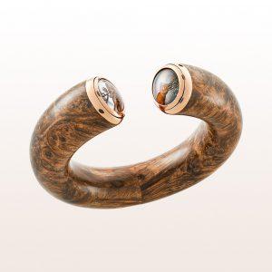 Armband aus Amboina Holz, graviertem Bergkristall und Perlmutt in 18kt Roségold