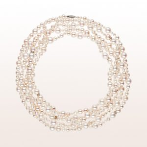 Collier mit Akoyaperlen, Brillanten und einer 18kt Weißgold Brillantschließe