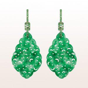 Ohrgehänge mit grüner Jade und Tsavorit 0,97ct in 18kt Weißgold