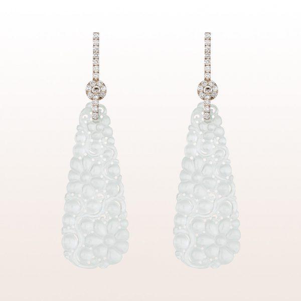 Ohrgehänge mit weißer Jade und Brillanten 0,66ct in 18kt Weißgold