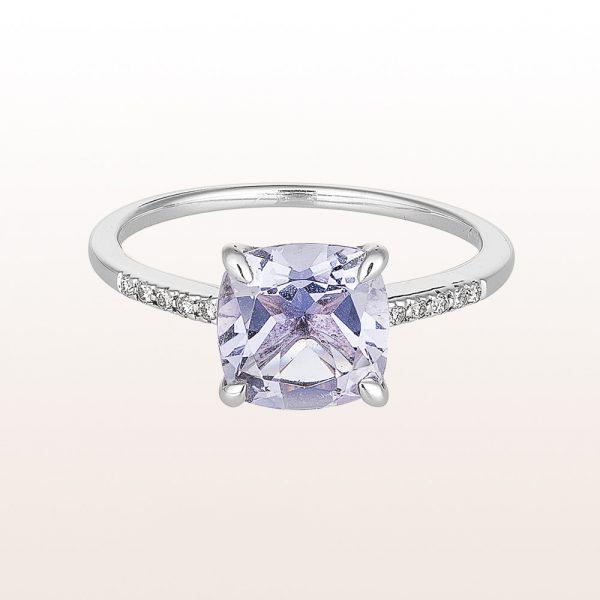 Ring mit Iolith 1,18ct und Brillanten 0,05ct in 18kt Weißgold
